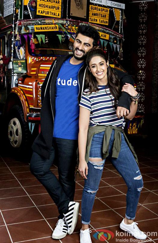 Mubarakan Shoot: Arjun Kapoor & Ileana D'Cruz Pose Happily As Karan & Sweety!