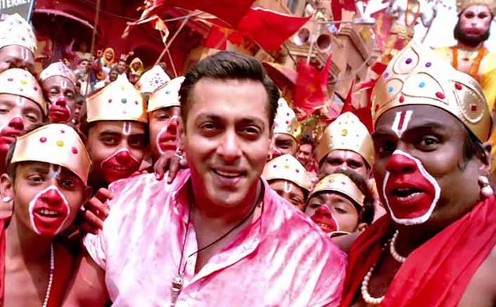 Salman's 'Bajrangi Bhaijaan' beats 'Dangal' first day collections in China