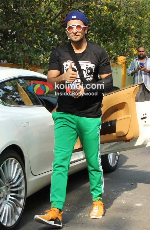 Ranveer Singh Spotted At Saloon Bandra