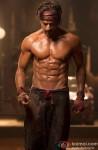 Shah Rukh Khan Flaunts His 8 Pack Abs