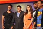 Shahid Kapoor, Cyrus Broacha, Shraddha Kapoor, Wajid and Sajid during the promotion of Haider with Club Samusung